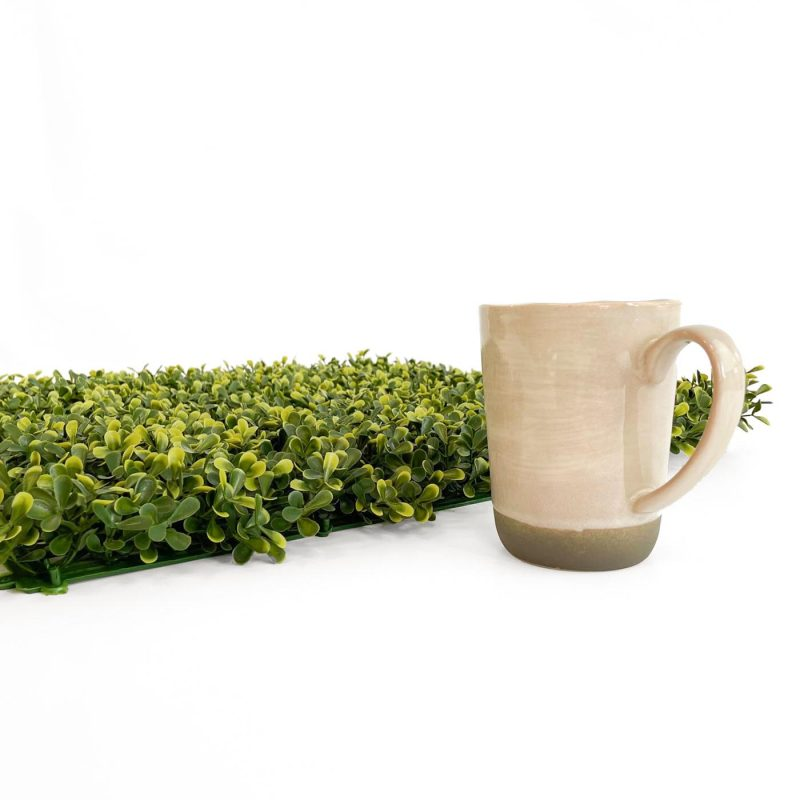 Topiary artificial hedge tile thickness