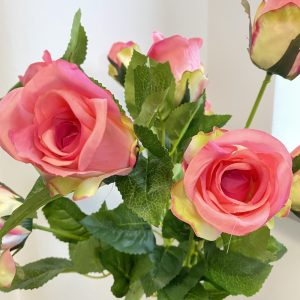 artificial-pink-roses