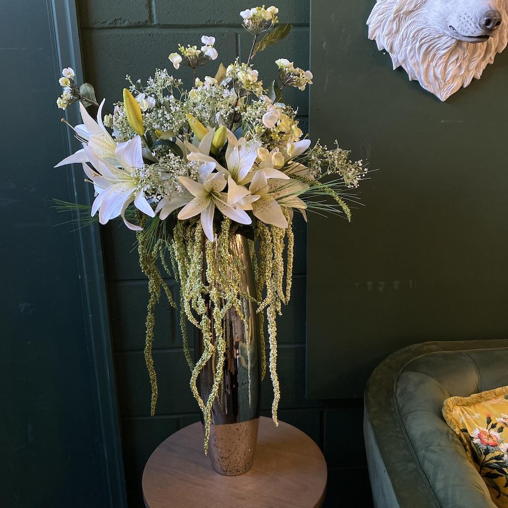 Artificial Lilly grande flower arrangement